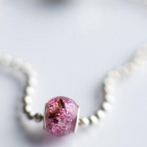 Bratara și charm tip perla personalizate cu inserții din cordon ombilical