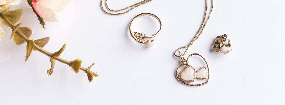 De ce am ales să creez bijuterii comemorative?