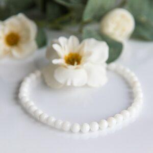 Colier din perle cu lapte matern